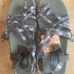 Girls Skecher Reggaes Outdoor Sandals size 6